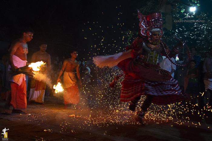 Theyyam3